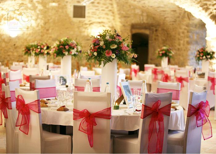 décaration-rose-table-des-mariés